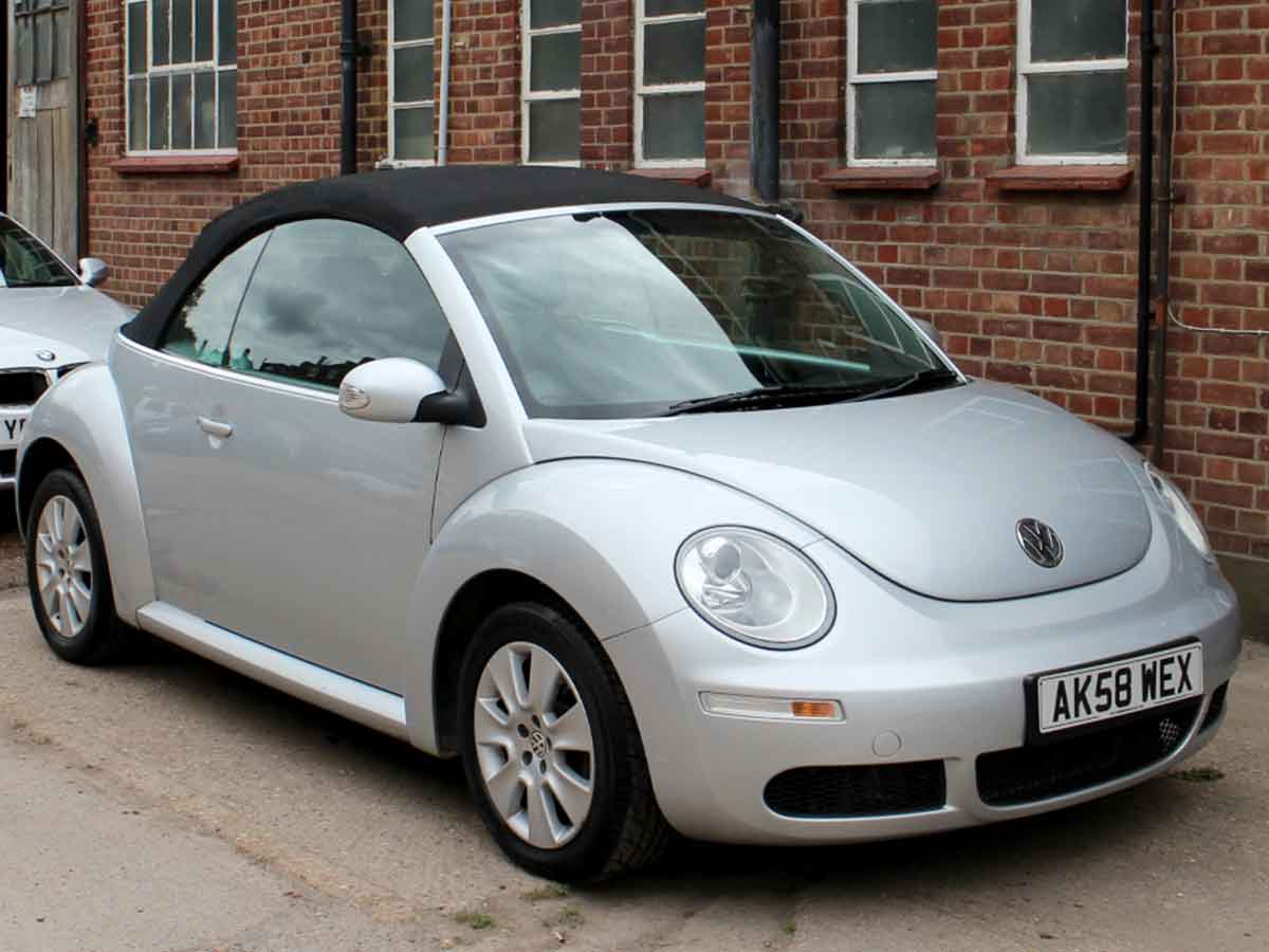 2008 VW Beetle Convertible 2.0 Reflex Silver Black Hood Automatic 2 Owners 55,000 miles AK58WEX