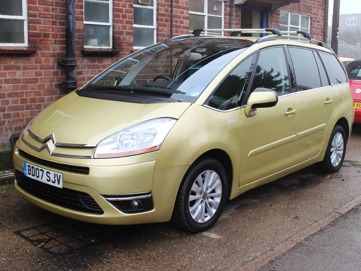 2007 citroen c4 grand picasso exclusive 2 0 diesel auto esg in metallic gold 67k 2 owners 7. Black Bedroom Furniture Sets. Home Design Ideas