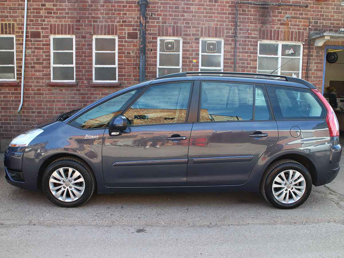 2009 citroen c4 grand picasso 1 6 vtr hdi auto diesel blue 40 000 miles fsh ek09yma gt cars uk. Black Bedroom Furniture Sets. Home Design Ideas