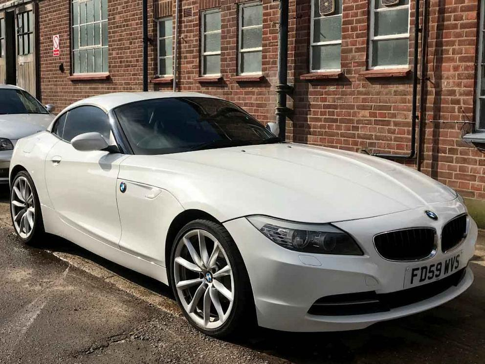 2009 BMW Z4 2.5 23i S Drive White Manual Petrol Black Leather 19 inch Alloys 66,000 miles FSH FD59WVS