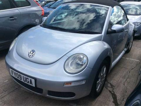 2009 VW Beetle Convertible Automatic 2.0 Reflex Silver Black Power Hood Air Con 40,000 miles Full Service History FY09UGA