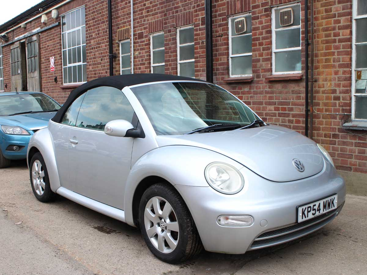 2004 VW Beetle 1.6 Convertible Relex Silver Black Power Hood 63,000 miles Years MOT Full Service History KP54MWK