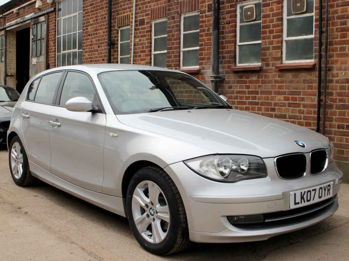 2007 BMW 118i 2.0 SE 5 Doors Auto Petrol Silver Black Leather Sat Nav 2 owners 61,000 miles Service History LK07OYR